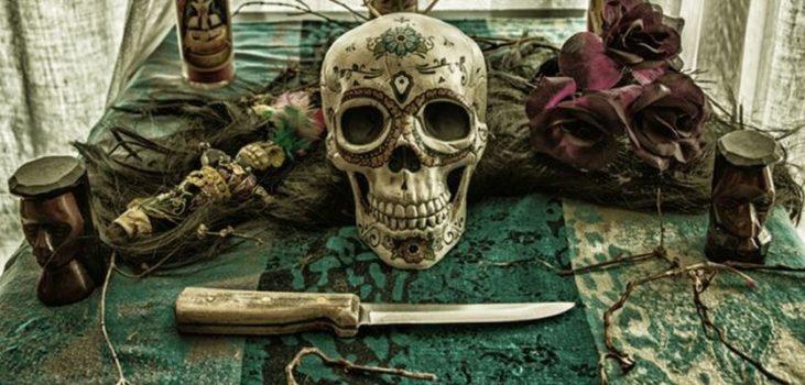 voodoo hoodoo magie ritueel rituelen amulet vervloeking curse bloed religie mojo dieren offeren energie west-afrika