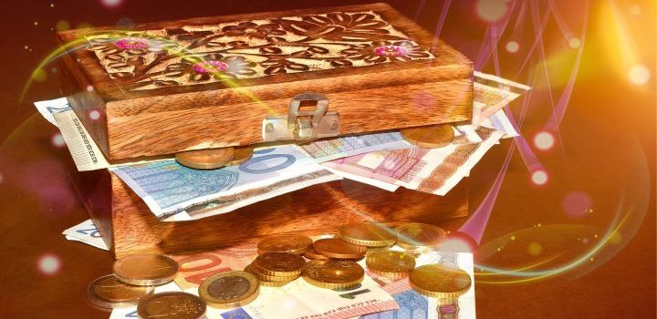 geld, geluk, winnen, loterij, aantrekken, flow, hoofdprijs, prijs, magie, spruek, ritueel, magnetisch, magnetisme, hekserij, heks, toveren, voorsprong, financieen, financieel, rijk, geld, euro's, dollars, fortuin